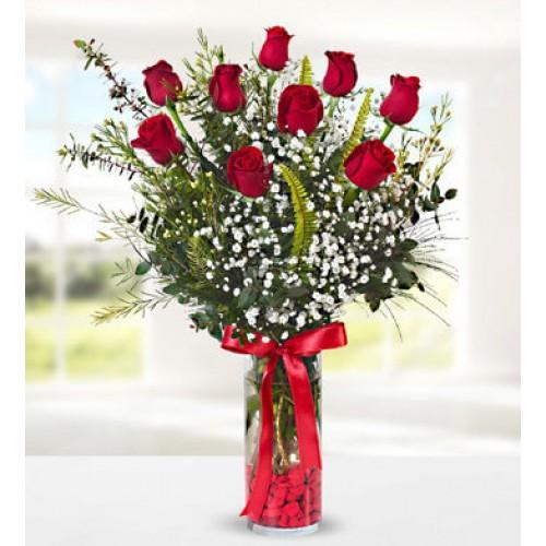 9 Red Rose in Vase